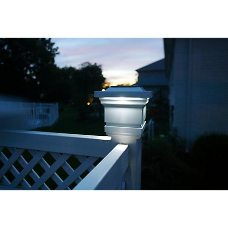 "Solar Powered 4"" LED Post Cap Light"