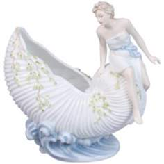Woman On Shell Ivory Porcelain Sauce Train