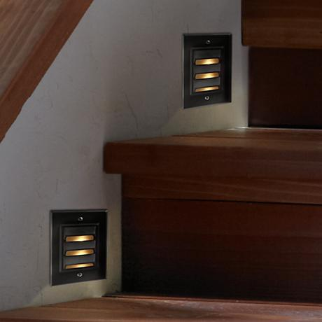 Hinkley Bronze Finish Vertical Step or Deck Light