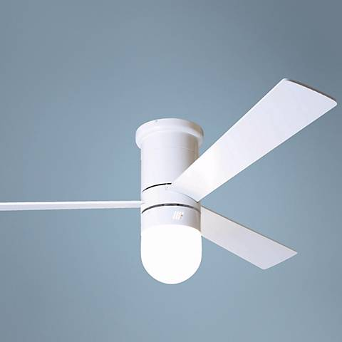 "52"" Cirrus Gloss White Hugger Ceiling Fan with Light Kit"