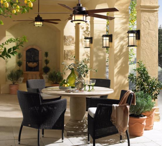 Transitional style outdoor decor.