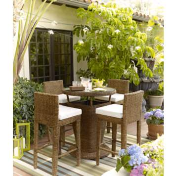 Take your style outdoors by creating a defined seating area.