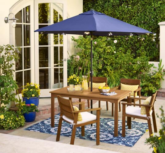 outdoor living, patio, wall sconce, outdoor umbrella, dining set