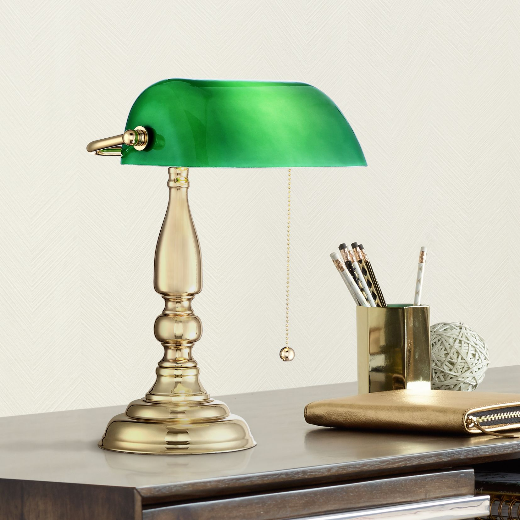 Charmant Hammond Green Glass Brass Bankers Table Lamp