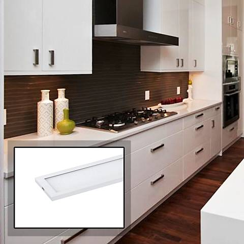"CounterMax MX-L-120-SL 36""W White LED Under Cabinet Light"