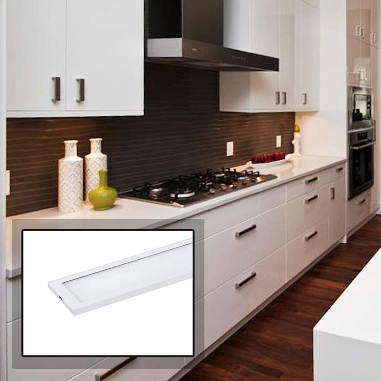 "CounterMax MX-L-120-SL 48""W White LED Under Cabinet Light"