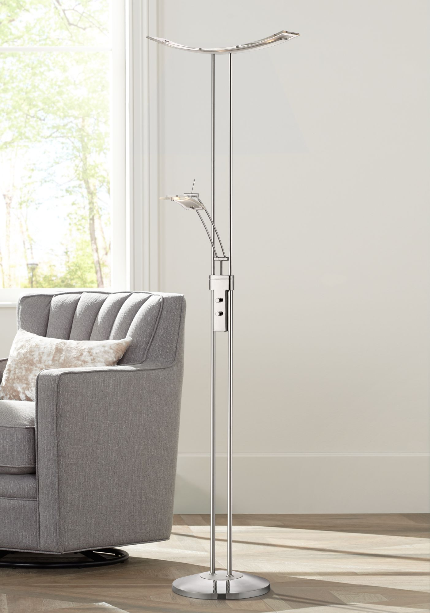 Superbe Possini Euro Design Vicina Chrome LED Torchiere Floor Lamp