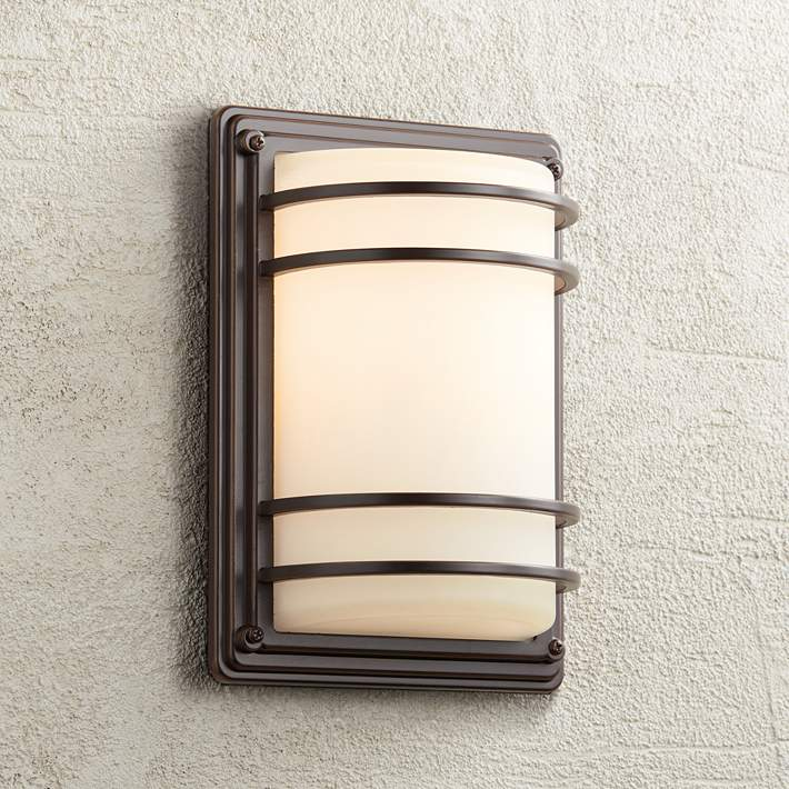 Opal Gl Outdoor Wall Light