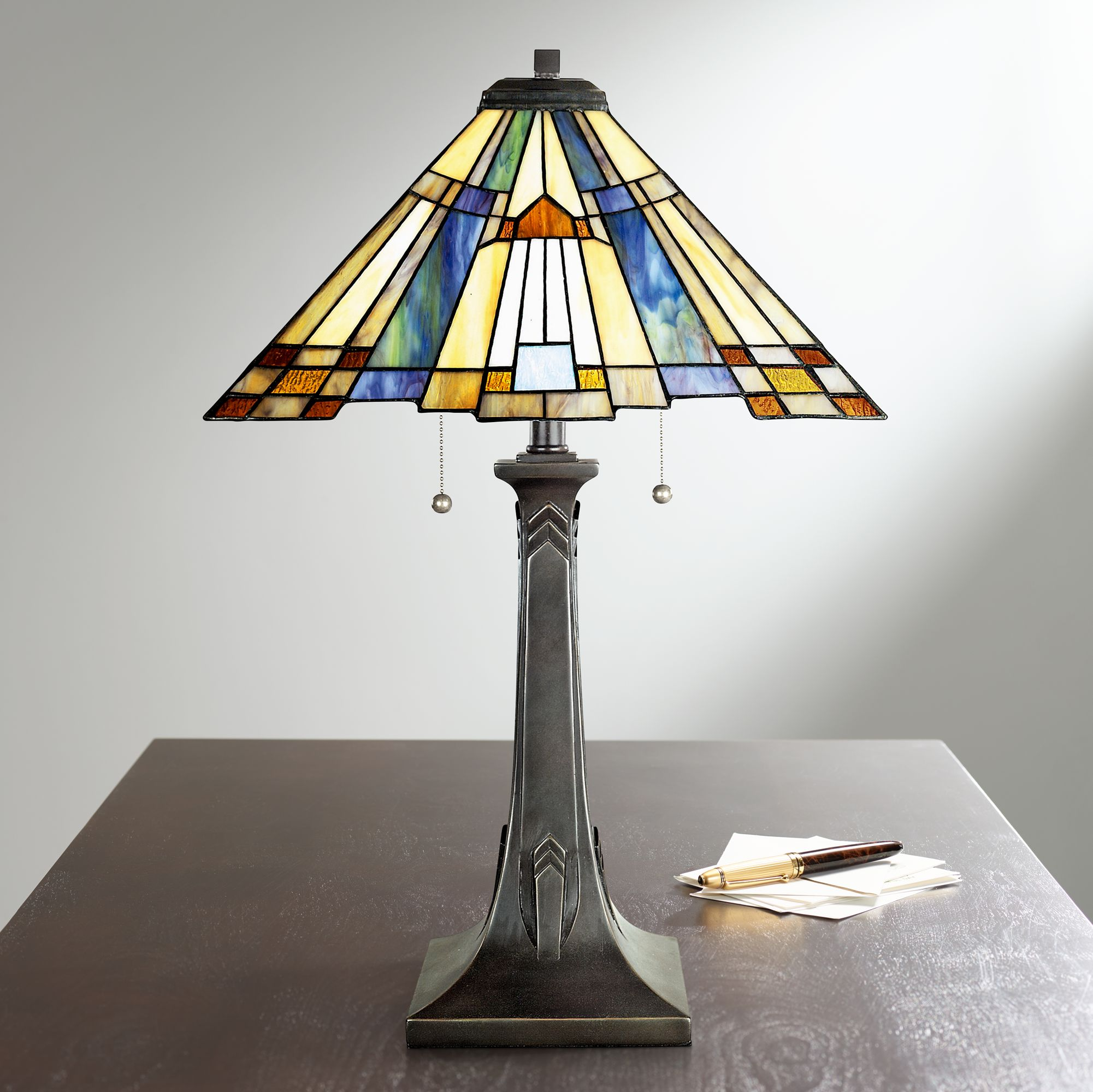 Quoizel Inglenook Arts And Crafts Tiffany Style Table Lamp