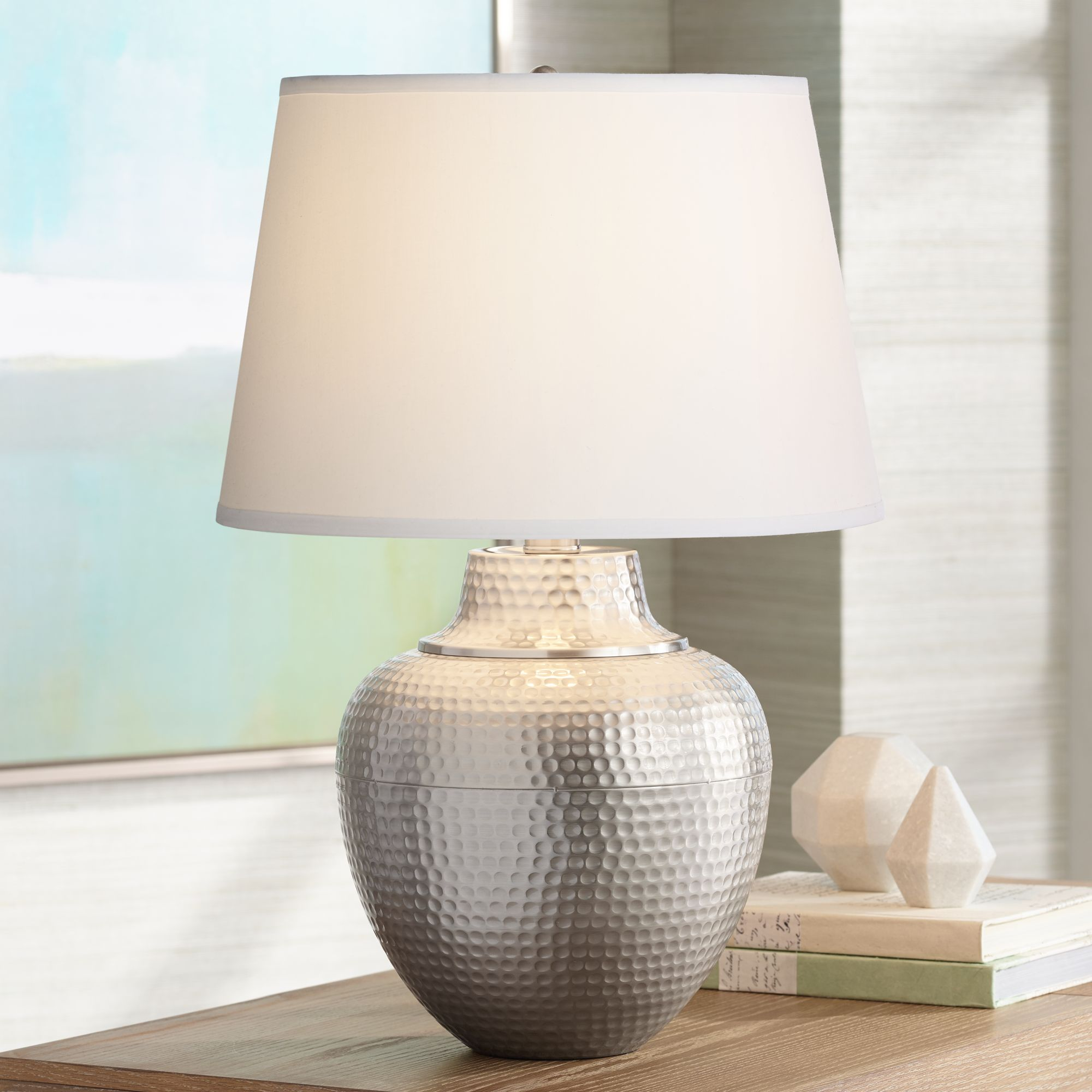 Genial Brighton Hammered Pot Brushed Nickel Table Lamp