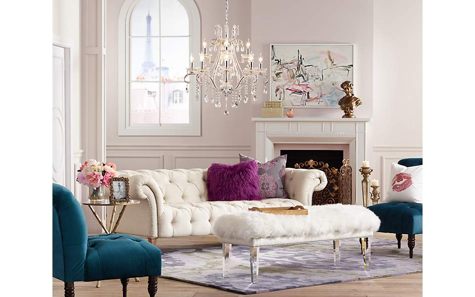 A romantic living room inspired by posh parisian furniture and lighting