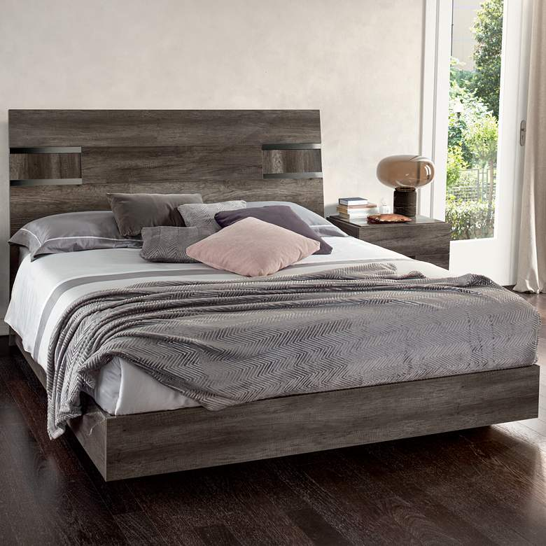 Collina Vintage Oak Wood Queen Platform Bed more views